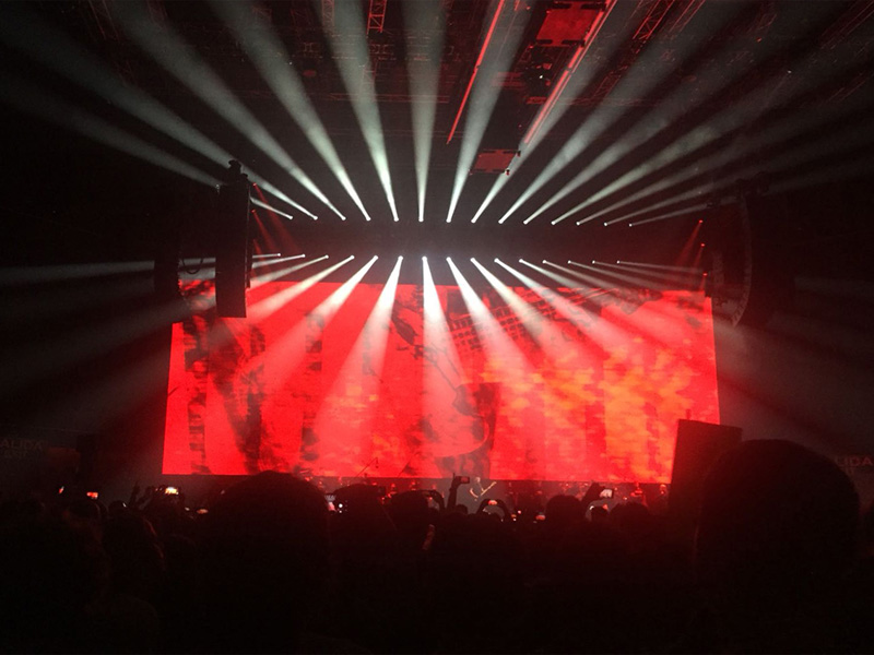 Roger Waters revive con Robe el legado de Pink Floyd