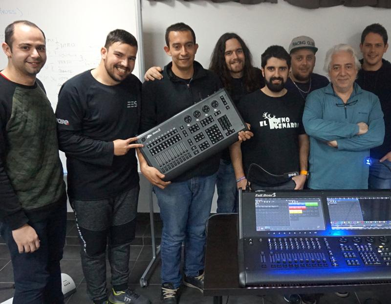 La nueva generación de programadores de Hog 4 se forma en Trade Formación con Óscar Gallardo