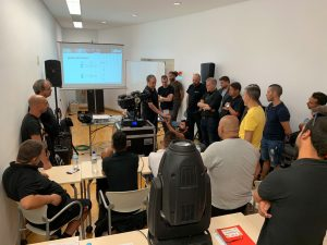 Nuestro Taller de Mantenimiento Técnico de Robe pone rumbo a Canarias arropado por numerosos profesionales