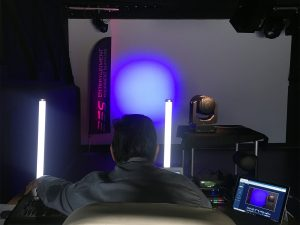 El legendario VL5LED WASH de Vari-Lite reúne a más de un centenar de profesionales en nuestras presentaciones virtuales